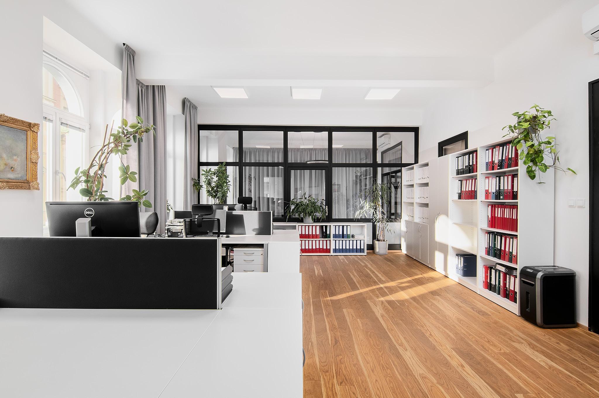 Kanceláře se konečně otevírají, znamená to konec home office?