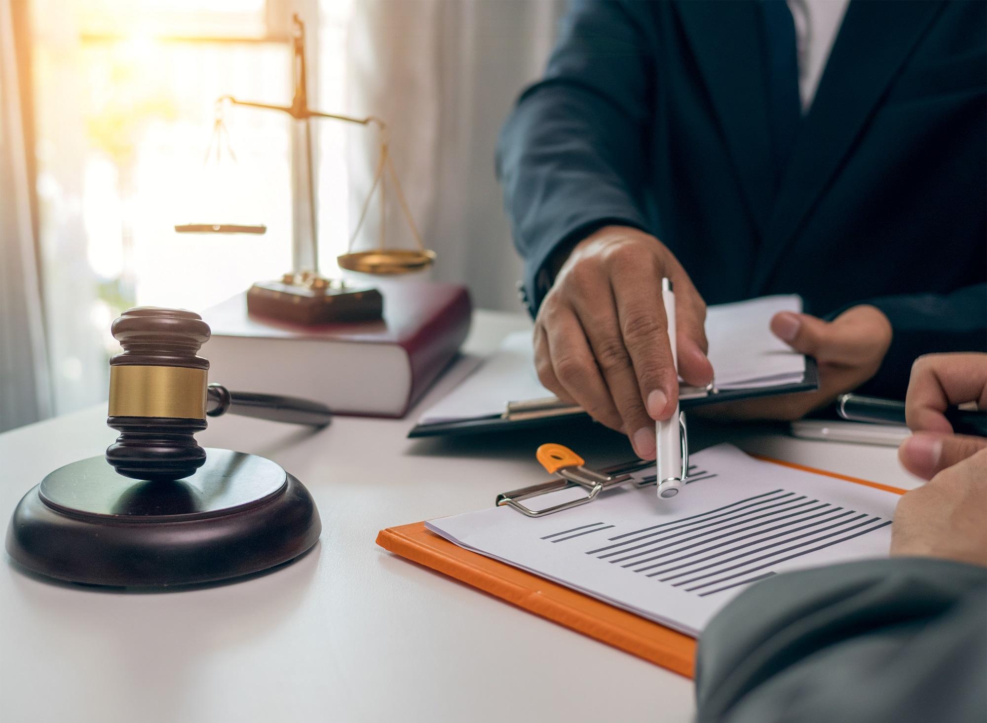 Chcete prodat nemovitost? Nejprve prověřte její právní stav, odhalte právní vady!