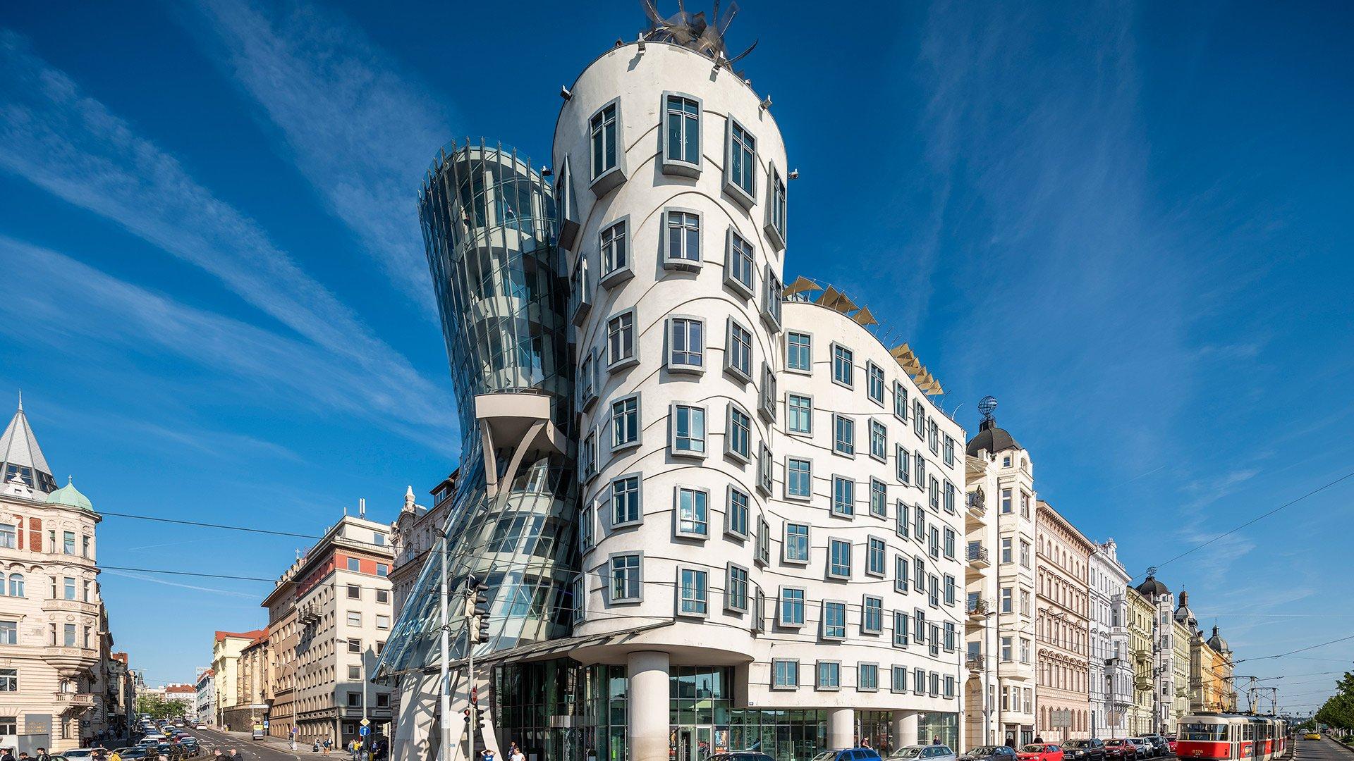 Tančící dům se stal devátou nejkrásnější stavbou světa. Může za to jeho zlatý řez