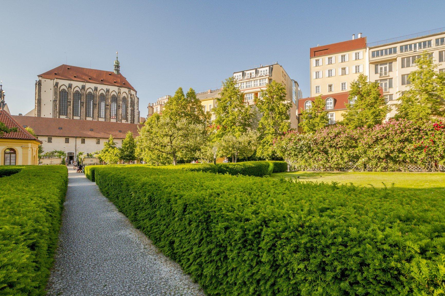 Palác Dlážděná