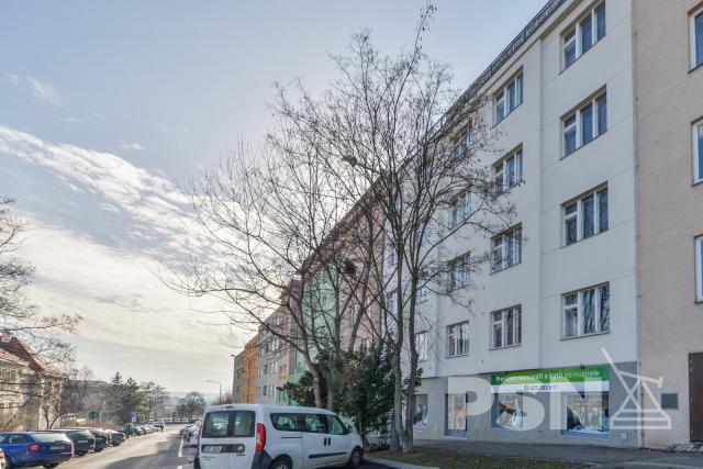 Pronájem bytu 1+1 naVinohradech Hollarovo náměstí 11, Praha 3