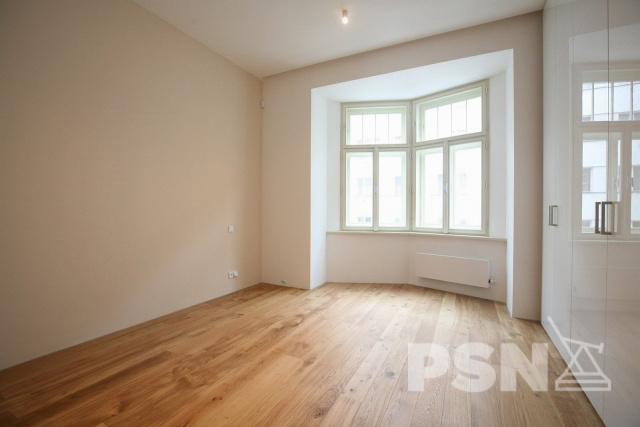 Pronájem bytu  3+1 Laubova 5, Praha 2