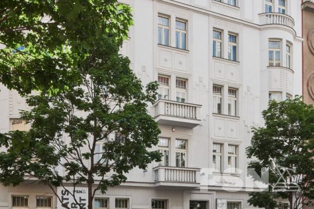 Pronájem bytu 3+1 naVinohradech Laubova 5, Praha 2