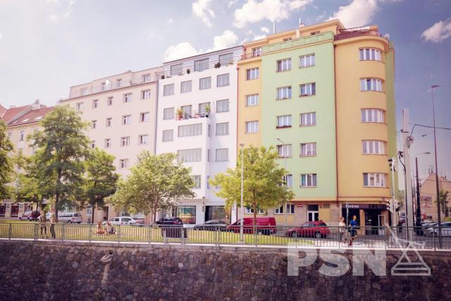 Bytová jednotka - 1+kk náměstí Dr. Václava Holého 1057/16, Praha 8